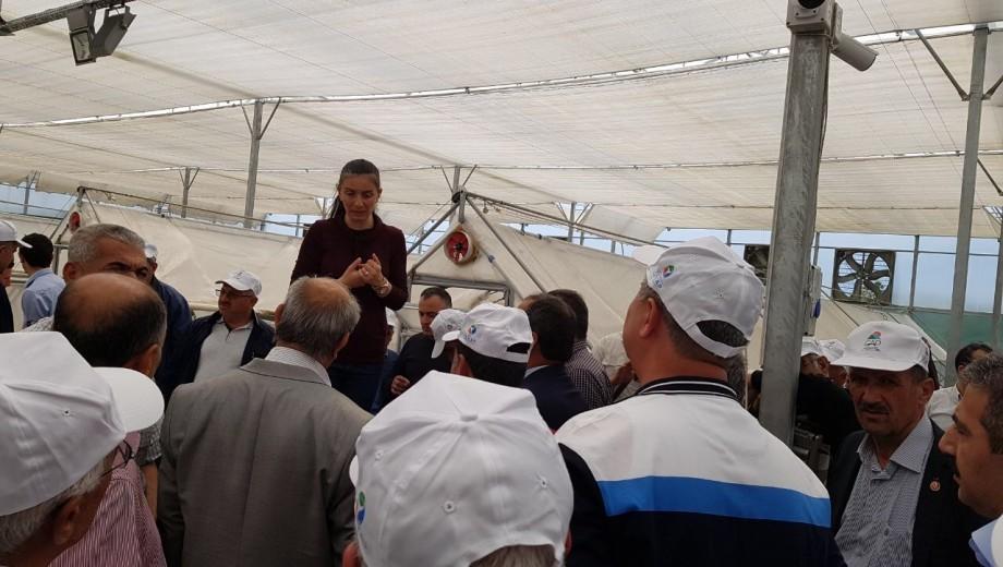 """GAP TEYAP kapsamında düzenlenen organizasyon ile çiftçilerimiz """"GAP' ta Tarımsal Örgütlenme ve İhracat"""" konulu panele ve Ekoloji İzmir Fuarı' na katılım sağlamıştır."""